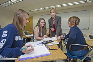 Joni Pirnot with Students